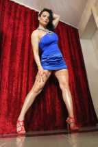 Domina Alina im Blauen Kleid - 1