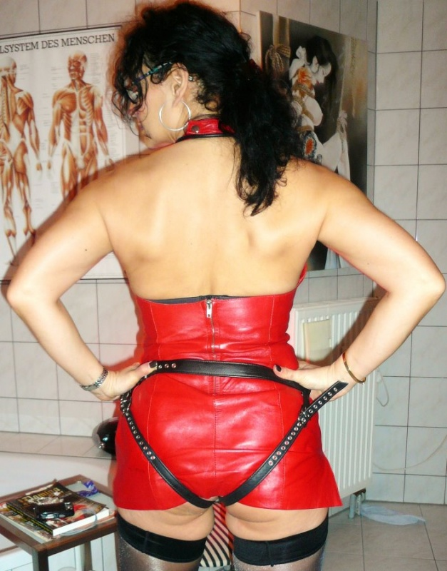 Domina Lady Alina Strapon 627x800 - Specials